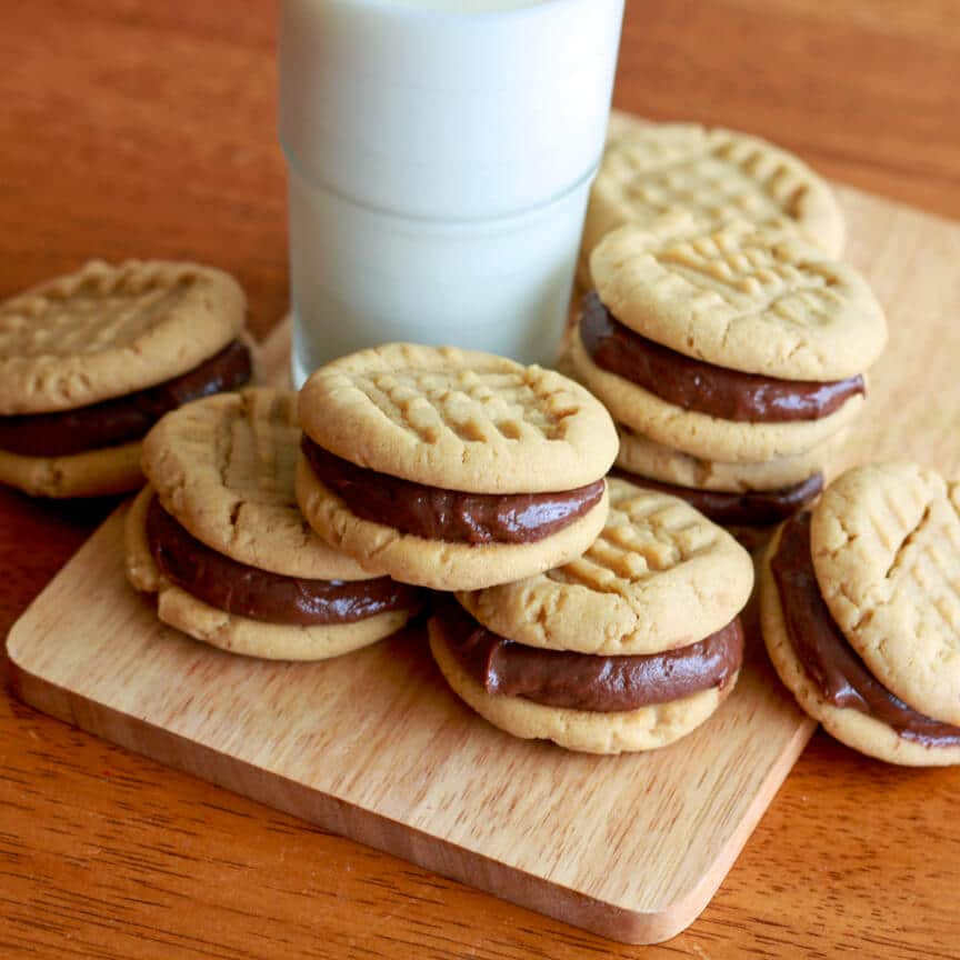Peanut Butter Sandwich Cookies with Nutella Marshmallow Cream Cheese ...