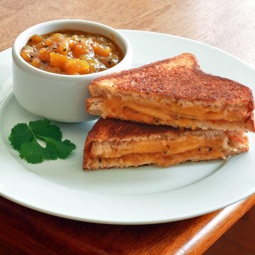 Grilled Cheese Sandwich Mango Chutney 2 editado