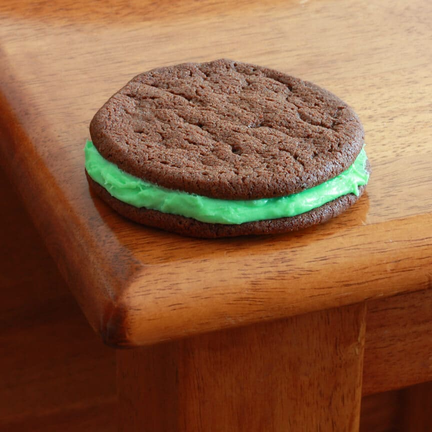 Shamrock Sandwich Cookies 2 brighter
