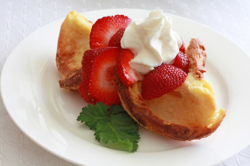 Strawberries and Cream Popovers 1 sm