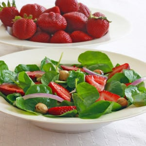 watercress salad strawberries hazelnuts vinaigrette recipe