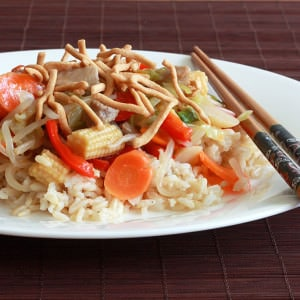 chinese chicken chow mein recipe rice noodles vegetables traditional
