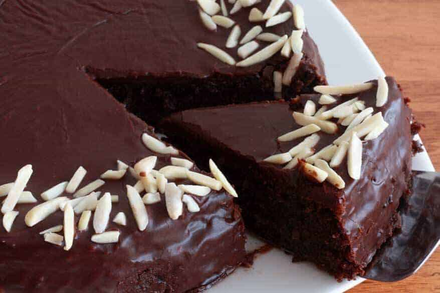 Chocolate Almond Quinoa Cake - The Daring Gourmet