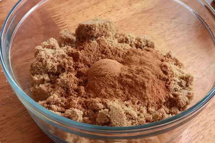 Cinnamon Rolls prep 16