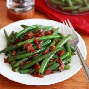 Southern-style Green Beans with Caramelized Onions and Bacon (+ Smith House, Dahlonega)