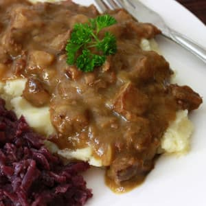 Hachee (Dutch Beef & Onion Stew)