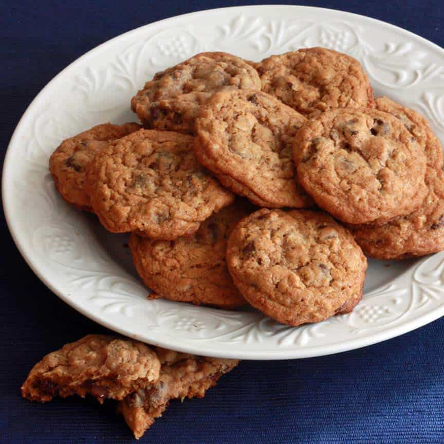Todd's Famous Whole Wheat Oatmeal Chocolate Chip Cookies - The Daring ...