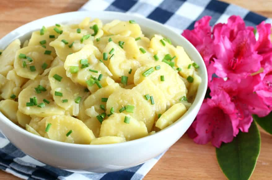 German german potato salad recipe authentic traditional swabian schwabischer vinegar broth