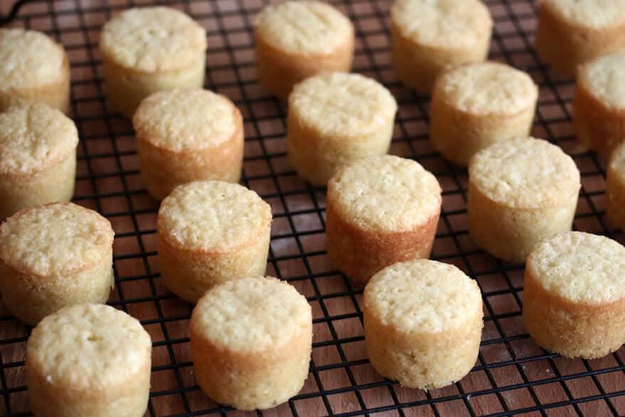 Victoria Sponge Cakes prep 13