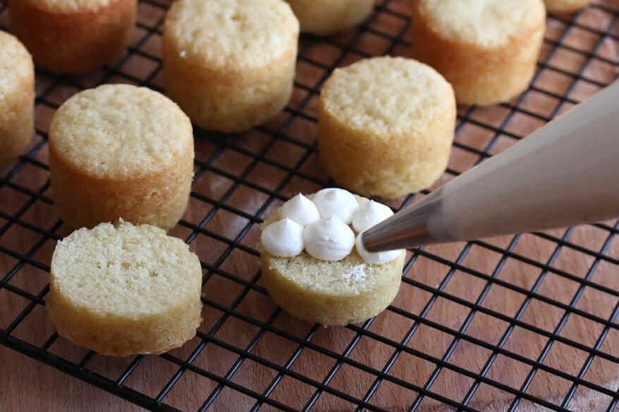 Victoria Sponge Cakes prep 20