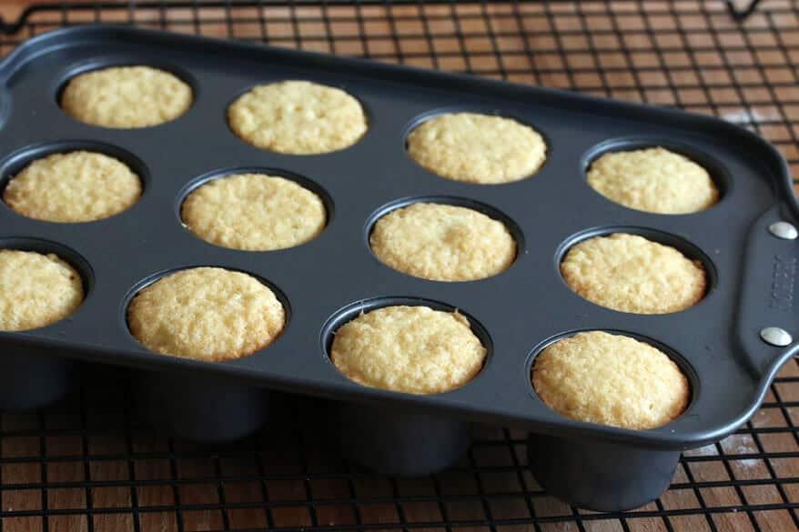Victoria Sponge Cakes prep 9