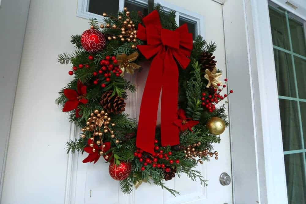 How to make a gourmet homemade christmas wreath simple Simple christmas wreaths