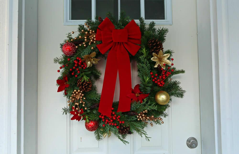 How to make a gourmet homemade christmas wreath simple for How to make christmas door wreaths