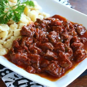 Hungarian Beef & Onion Stew (Marhapörkölt)
