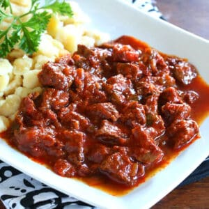 porkolt recipe traditional authentic beef onion stew paprika