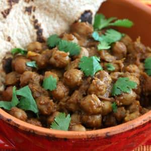 Roasted Chickpea Curry (Chana Masala)