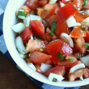 german tomato salad recipe tomatensalat rezept basil dill onions vinaigrette