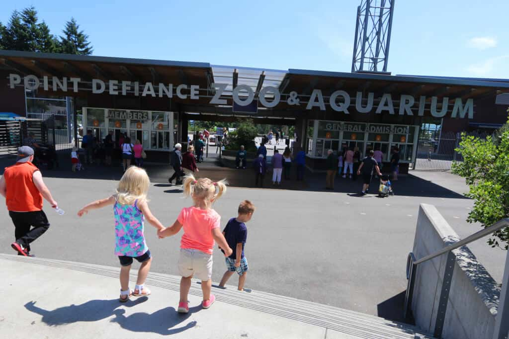 A Visit To Tacoma 39 S Point Defiance Zoo Aquarium The