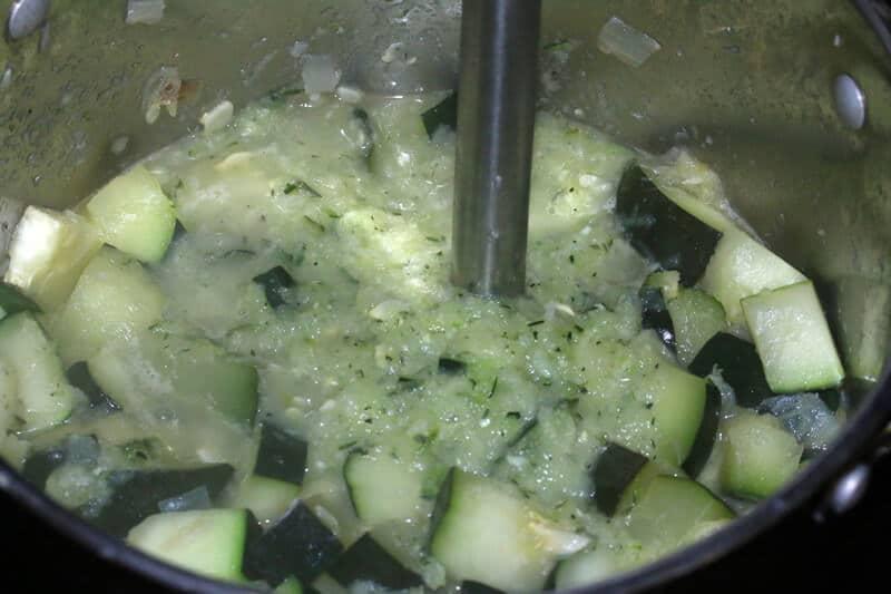 Zucchinin-Soup-prep-5
