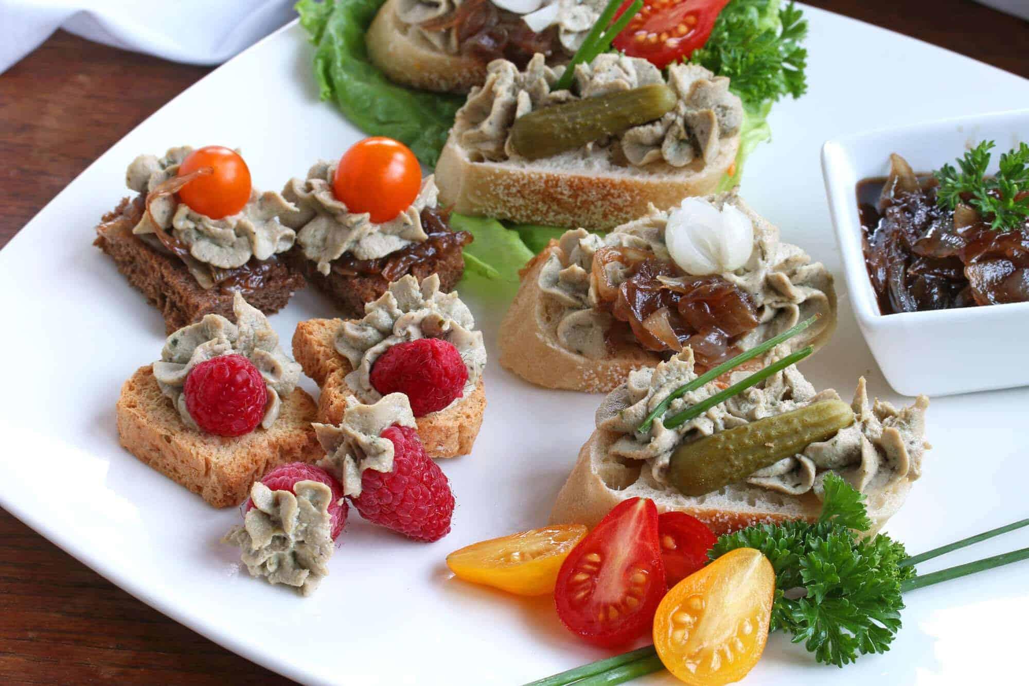 French entertaining part ii nouvelle cuisine alexian le creuset giveaway the daring gourmet for Nouvelle cuisine