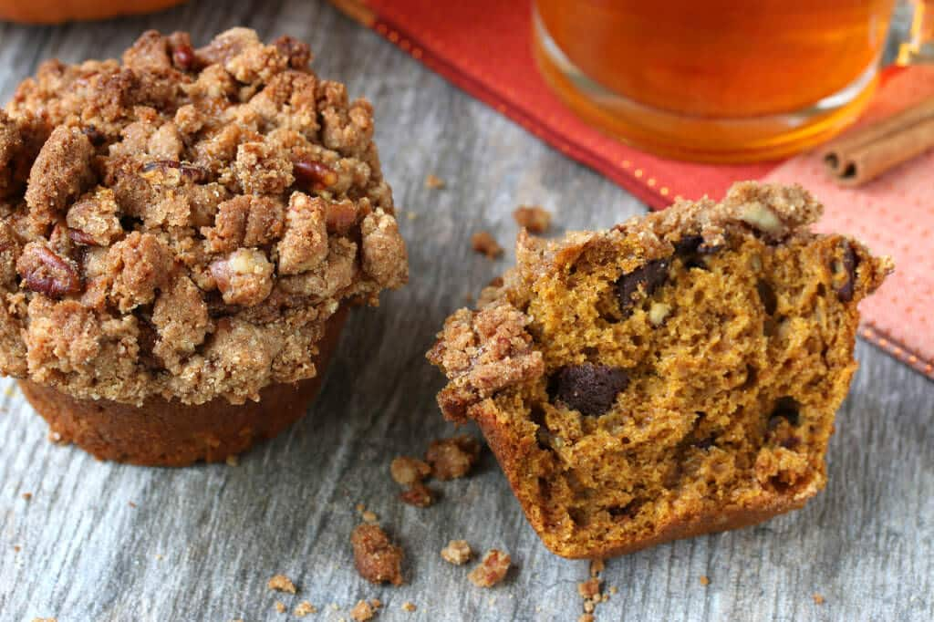 Pumpkin-Crumb-Muffins-10