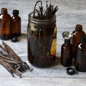 How To Make The Best Homemade Vanilla Extract