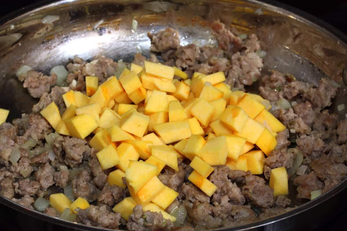 Pumpkin-Sausage-Gravy-prep-3