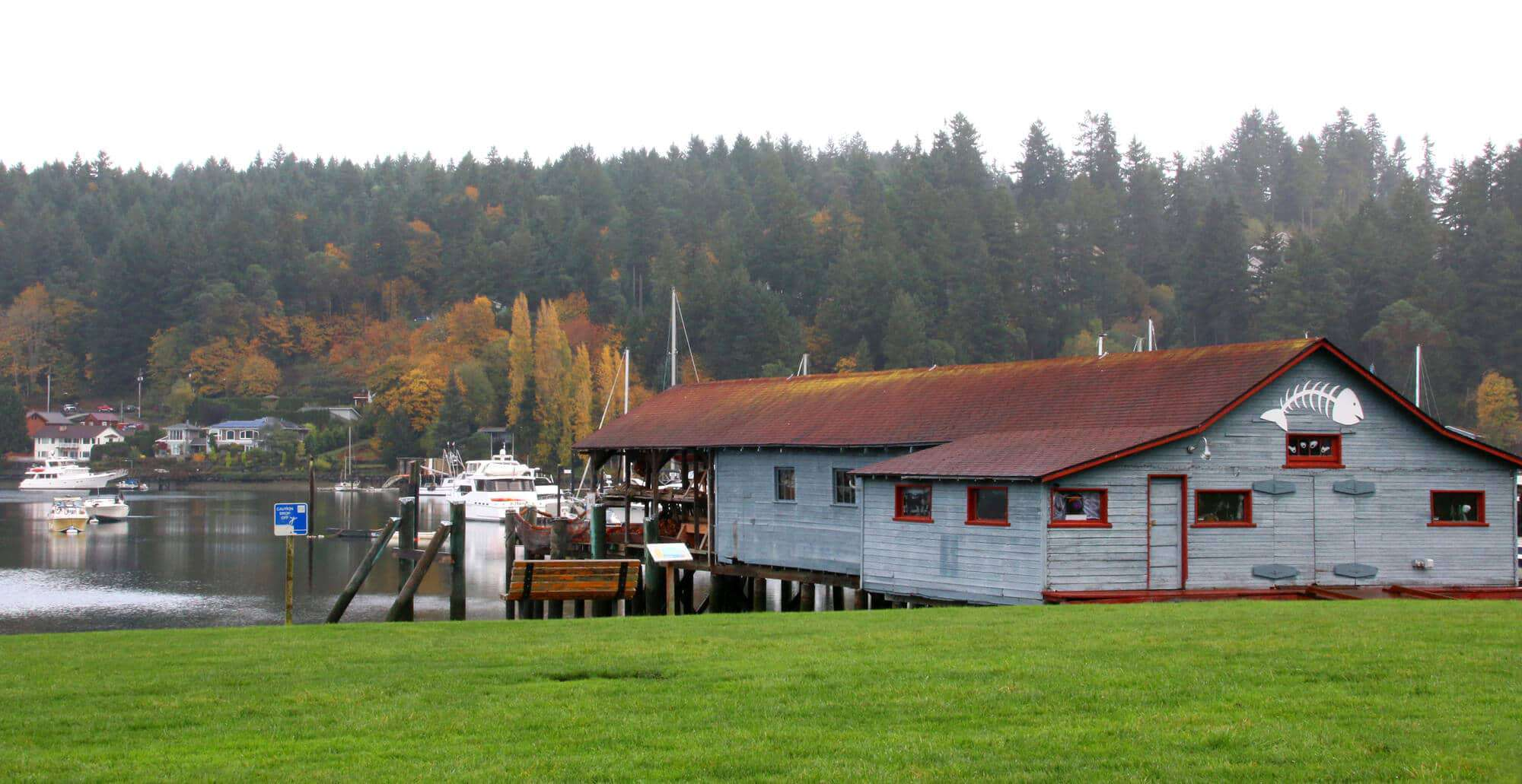 gig harbor Gig harbor is the name of both a bay on puget sound and a city on its shore in  pierce county, washington, united states the population was 7,126 at the 2010 .