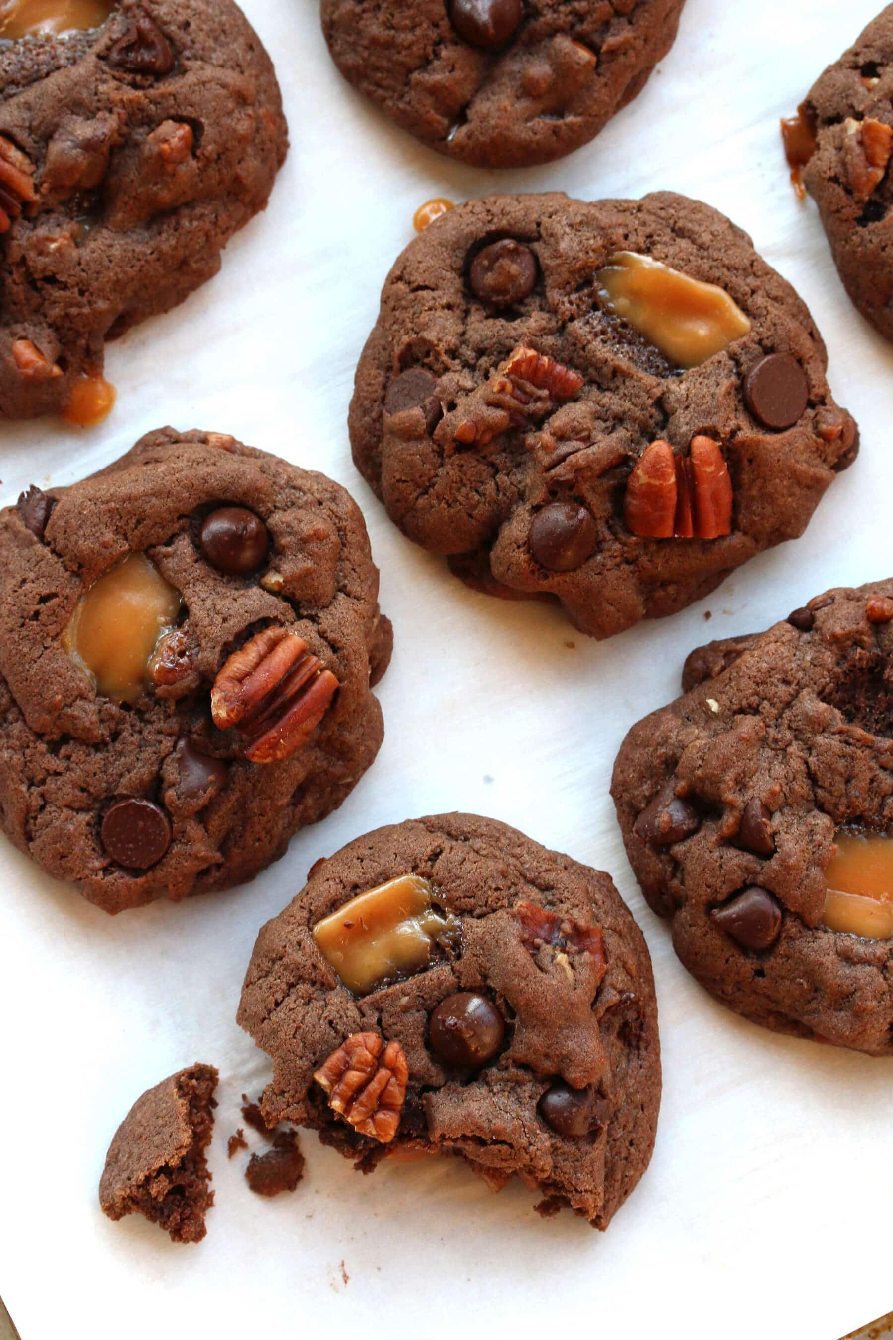 Mexican Chocolate Caramel Pecan Cookies (Turtle Cookies) - The Daring ...