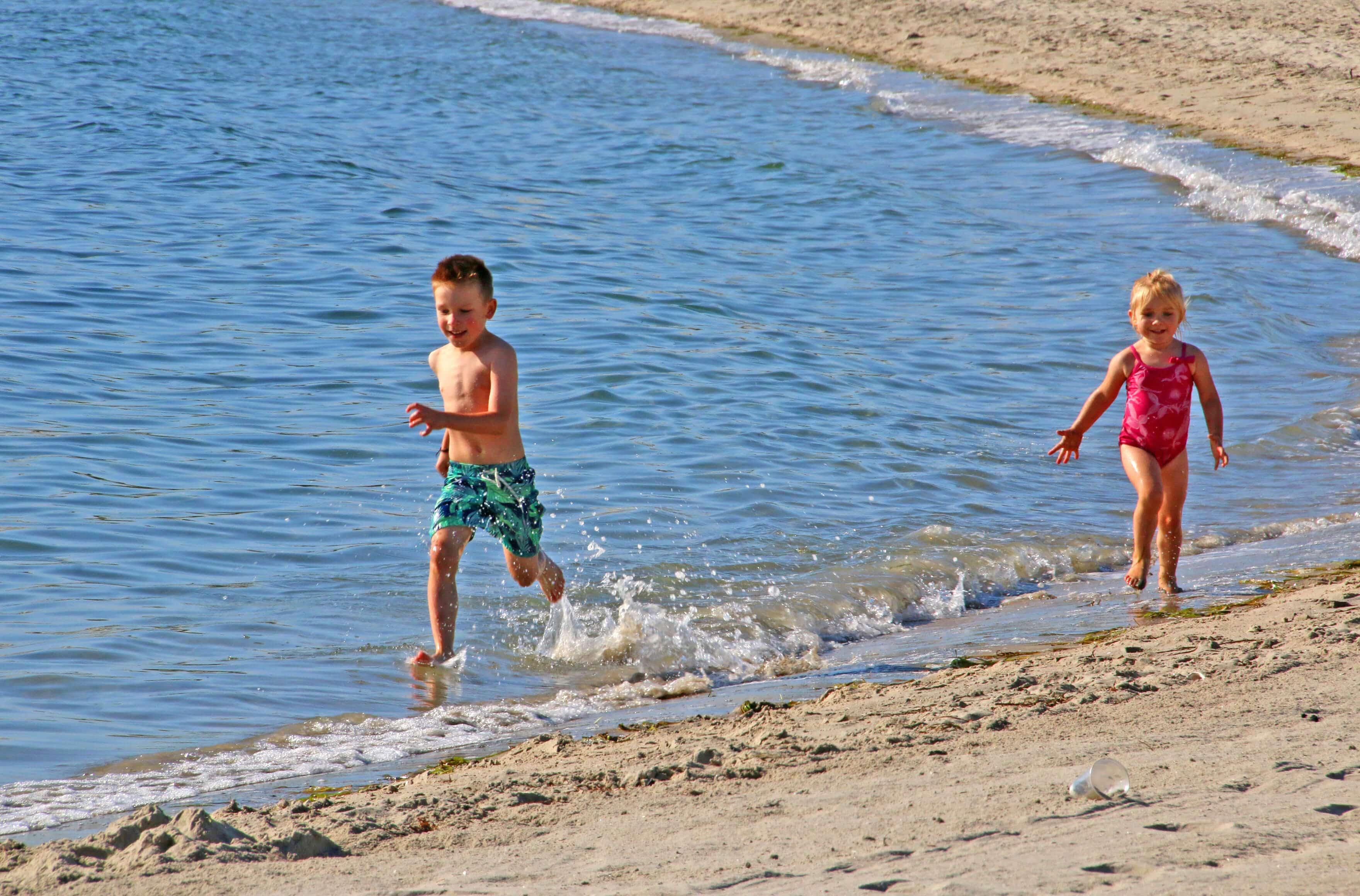 liam-emily-san-diego-beach