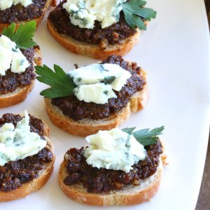 Black Olive & Fig Tapenade with Roquefort