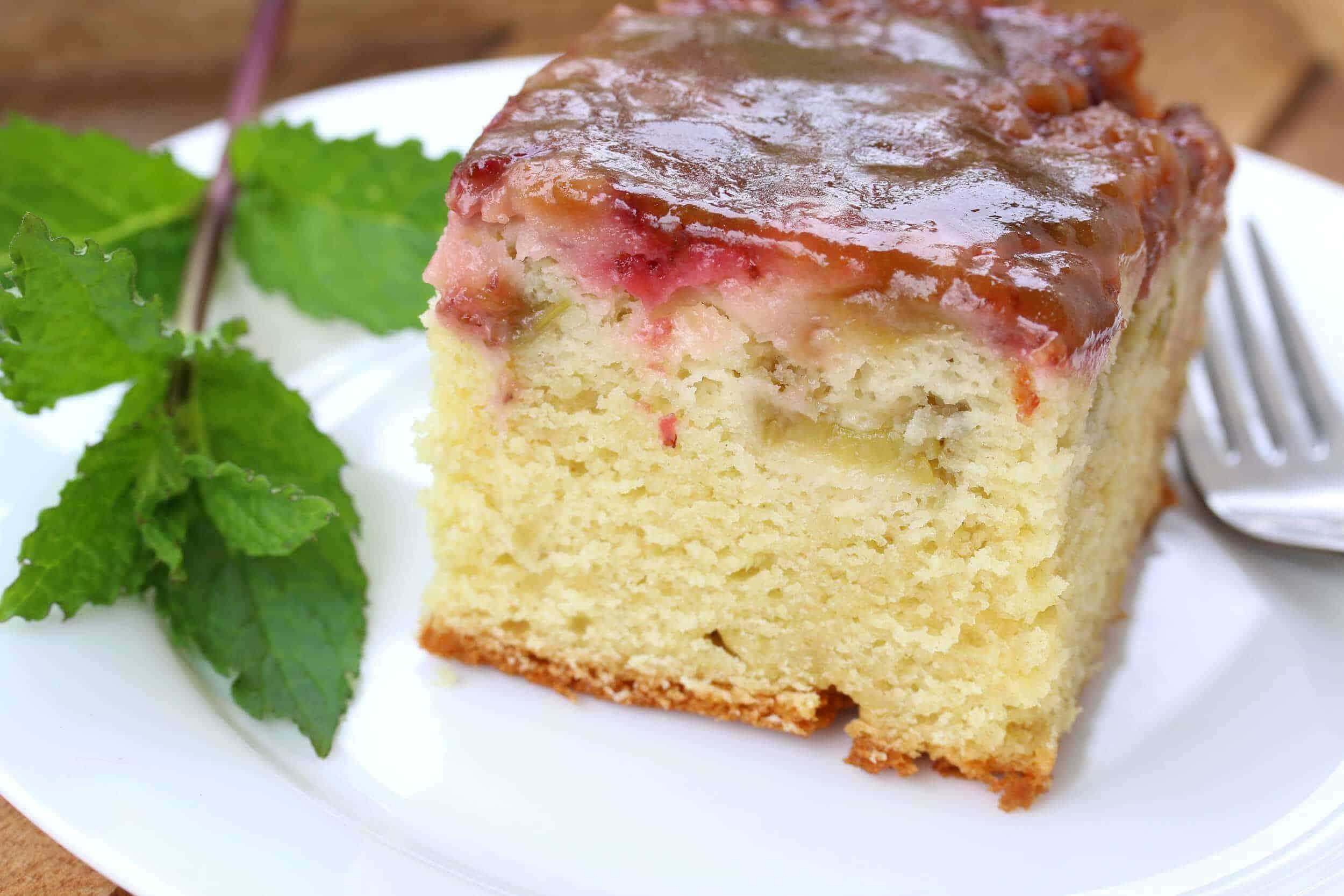Rhubarb Strawberry Dessert Cake Mix