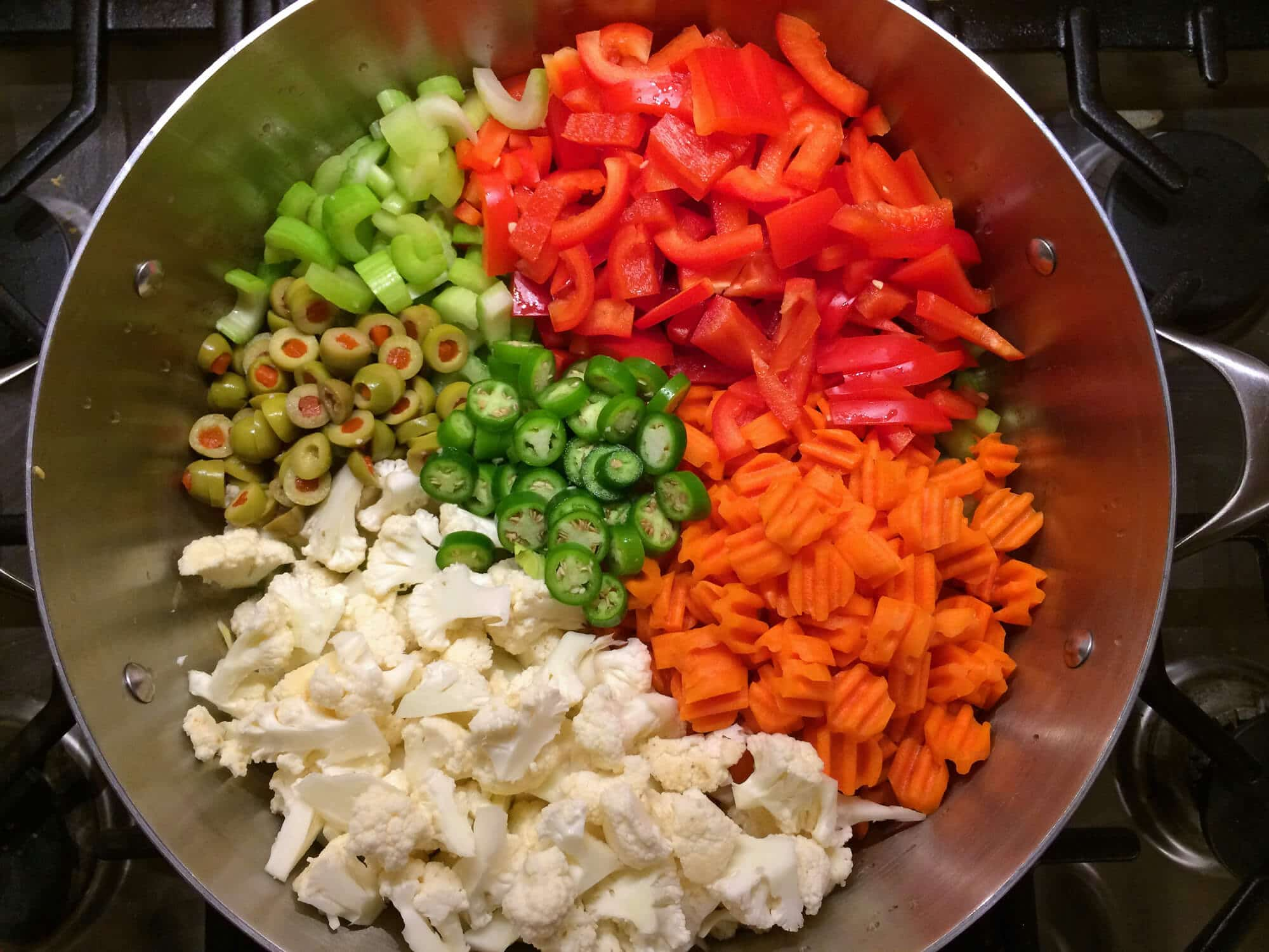 best italian chicago style giardiniera recipe pickled vegetables olives cauliflower celery carrots peppers hot mild