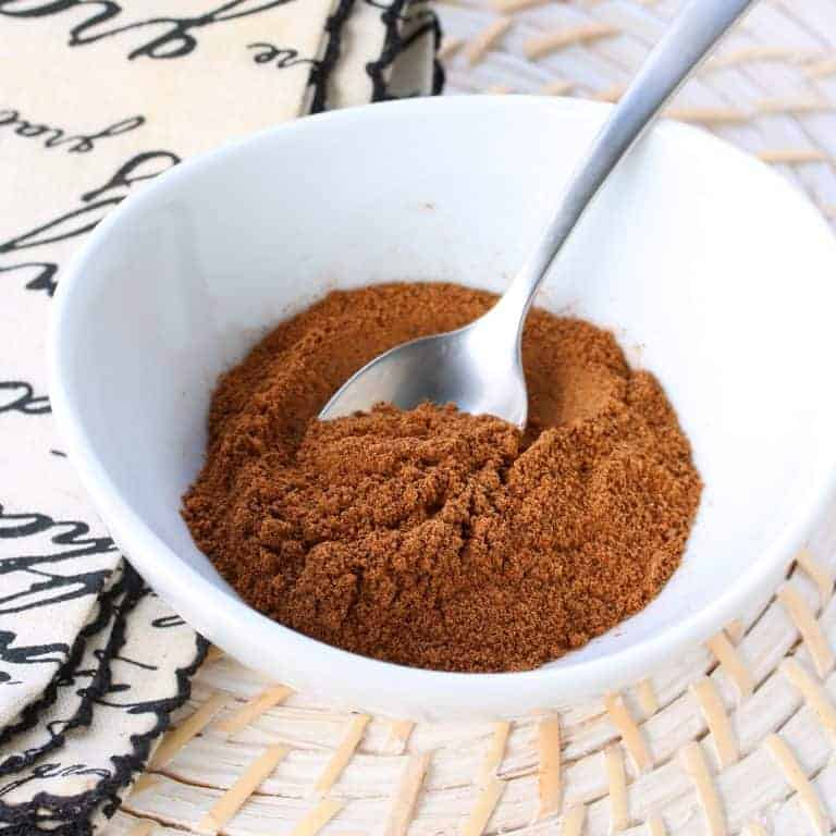 mixed spice recipe British English homemade traditional authentic Christmas holidays gingerbread